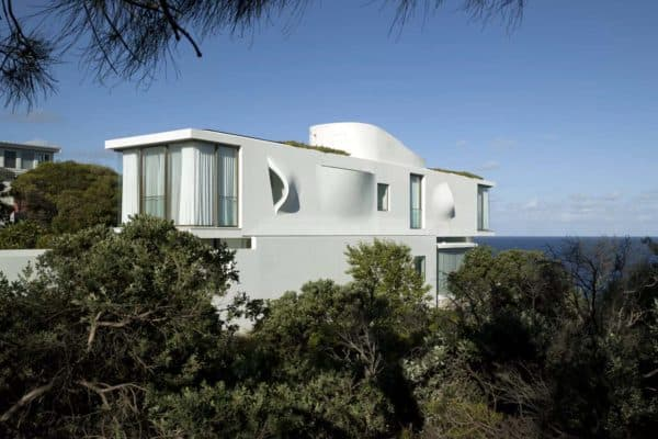 featured posts image for Incredible residence nestled on the sea cliffs of Sydney
