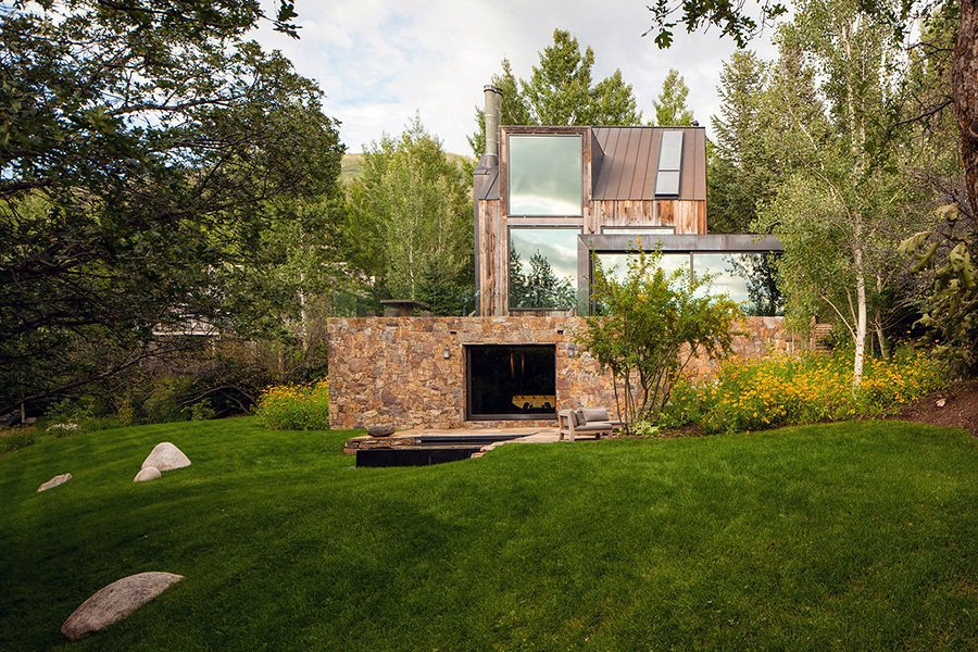 featured posts image for Modern rustic dwelling vanishes into nature