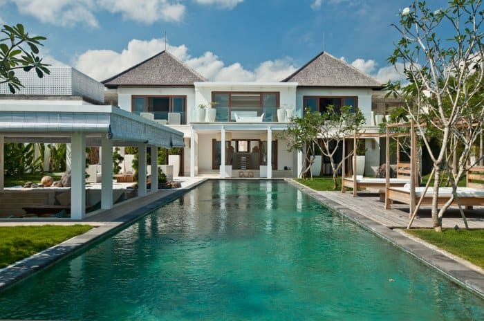 featured posts image for Sensational ocean-side Villa Ombak Putih in Bali