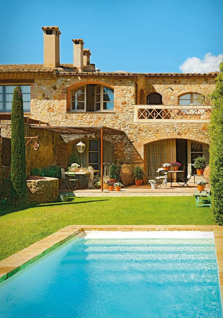featured posts image for Gorgeous rustic vacation retreat in Spain
