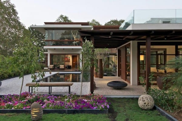 A Fabulous Courtyard House In Ahmedabad
