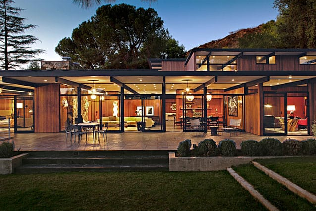 featured posts image for Spectacular mid-century inspired residence