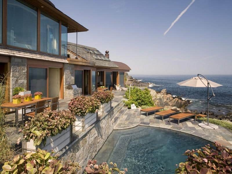 featured posts image for Elegant oceanfront property with Zen-like interiors