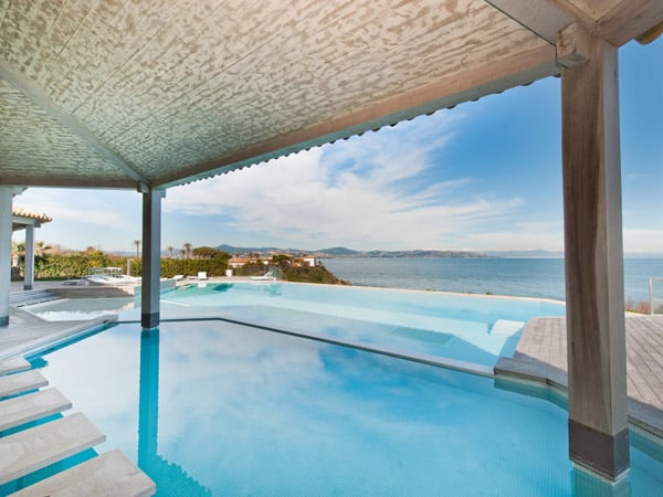 featured posts image for Stunning sea-front villa with magnificent views