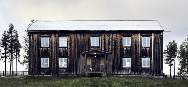 featured posts image for Beautifully adorned farmhouse in Jämtland
