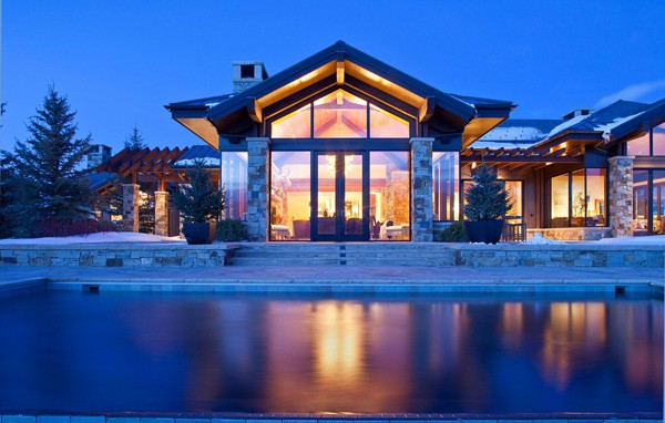 featured posts image for Impressive mountain dwelling nestled in Aspen