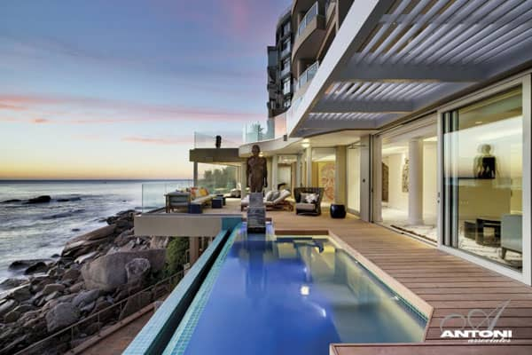 featured posts image for Impressive two-story apartment in Cape Town: Clifton View 7