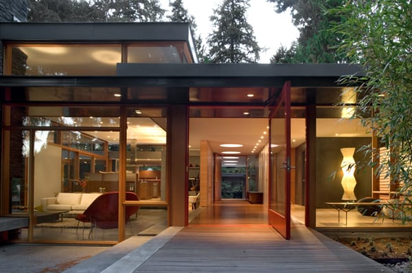 featured posts image for Mid-Century modern home with a nature backdrop