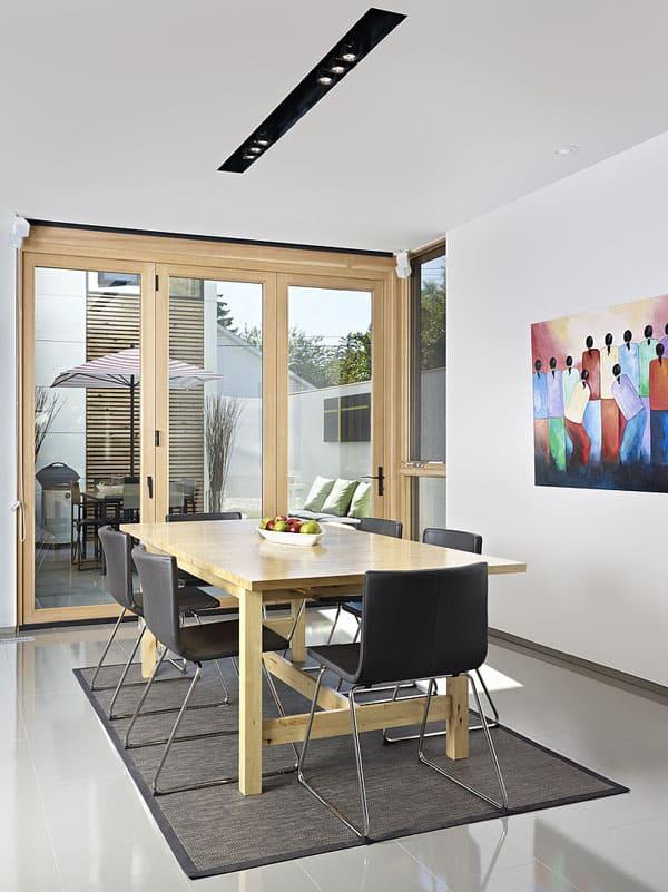 LG House-10-1 Kindesign