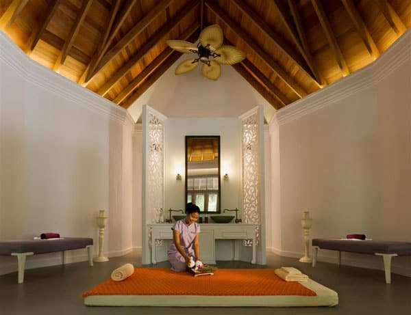 Dusit Thani Maldives-24-1 Kindesign