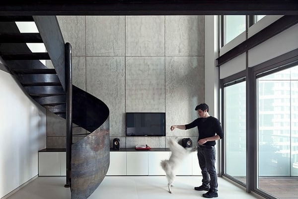 featured posts image for Modern apartment with a sleek sculptural staircase