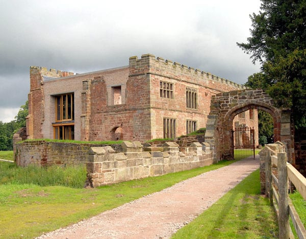 featured posts image for Historical Astley Castle in the Warwickshire countryside