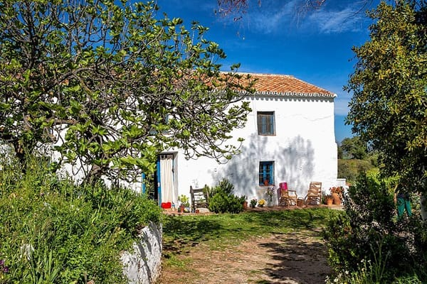 featured posts image for Rustic cottage retreat in the mountains of Malaga