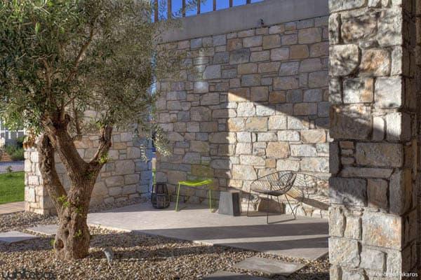 Stone House in Anavissos-38-1 Kindesign