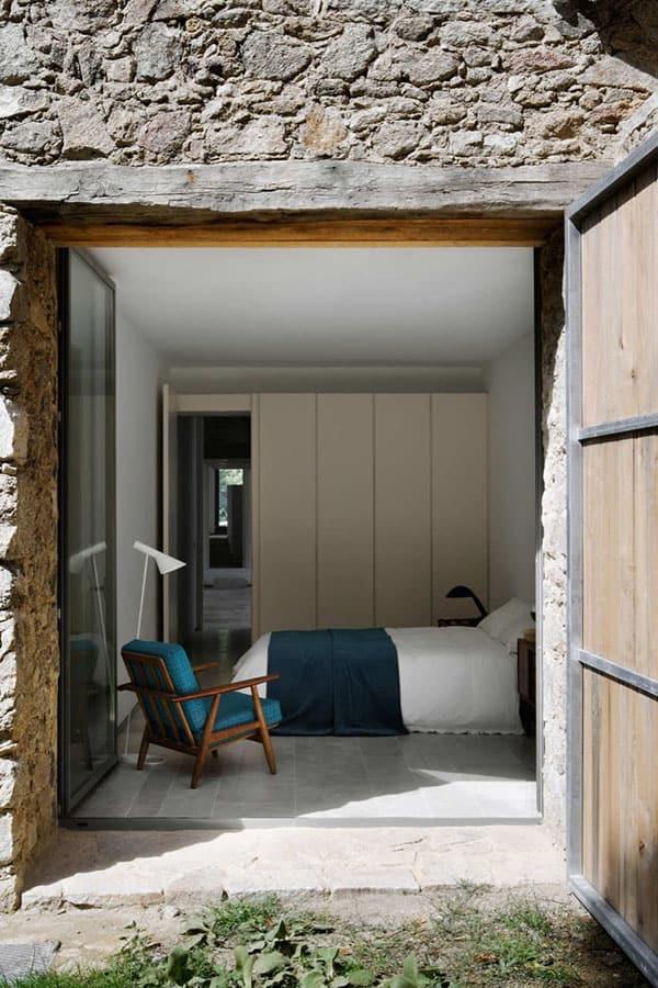 Barn Bedroom Design Ideas-38-1 Kindesign