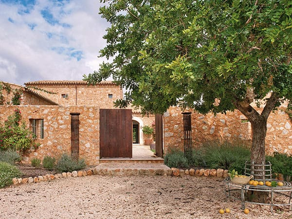 featured posts image for Gorgeous country house in Santa Maria del Cami