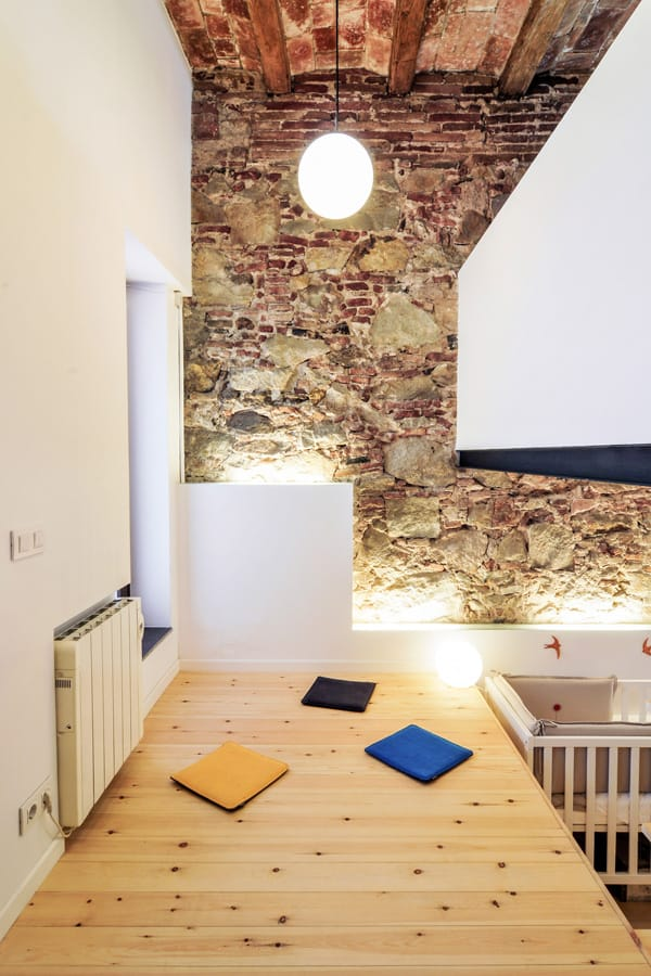 House-Patio in Gracia-Carles Enrich-07-1 Kindesign