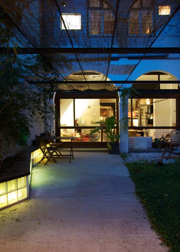 House-Patio in Gracia-Carles Enrich-18-1 Kindesign