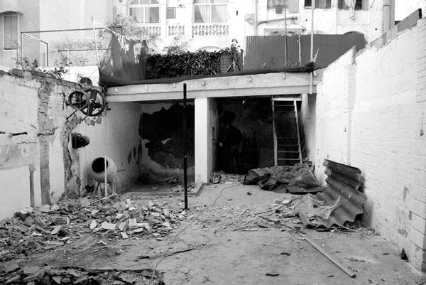 House-Patio in Gracia-Carles Enrich-20-1 Kindesign