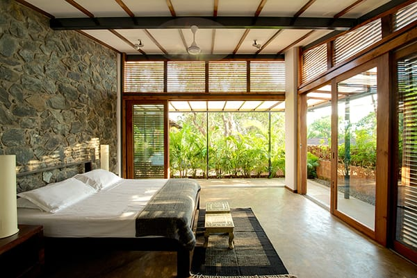 Stylish eco friendly home in harmony with nature for Eco friendly bedroom ideas