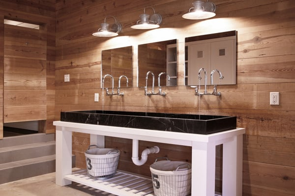 Rustic Barn Bathrooms-23-1 Kindesign