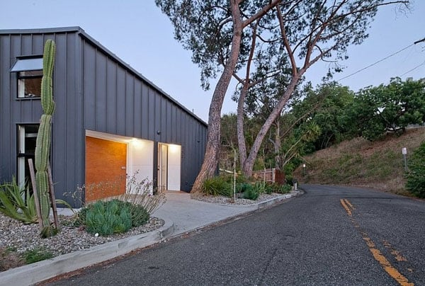 Big and Small House-Anonymous Architects-04-1 Kindesign
