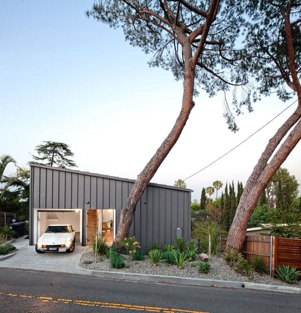 Big and Small House-Anonymous Architects-06-1 Kindesign