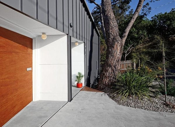 Big and Small House-Anonymous Architects-09-1 Kindesign