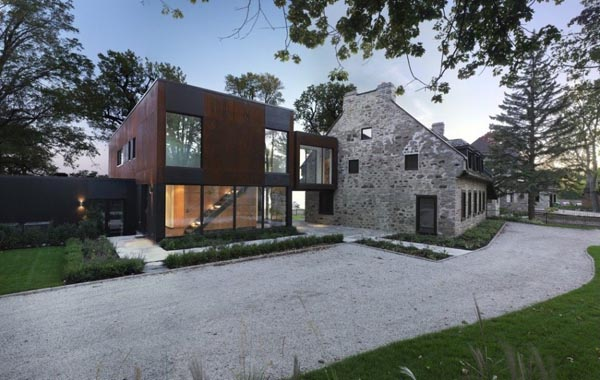 featured posts image for Modern update of historical stone house in Quebec