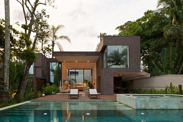 featured posts image for Fabulous dwelling on the Praia da Baleia, Brazil