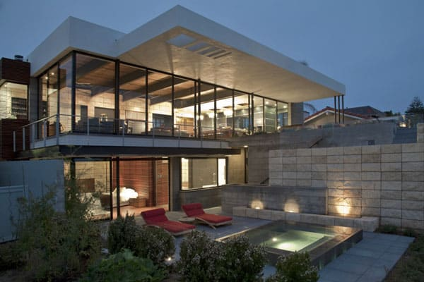 featured posts image for Modern hilltop pad overlooking Newport Bay