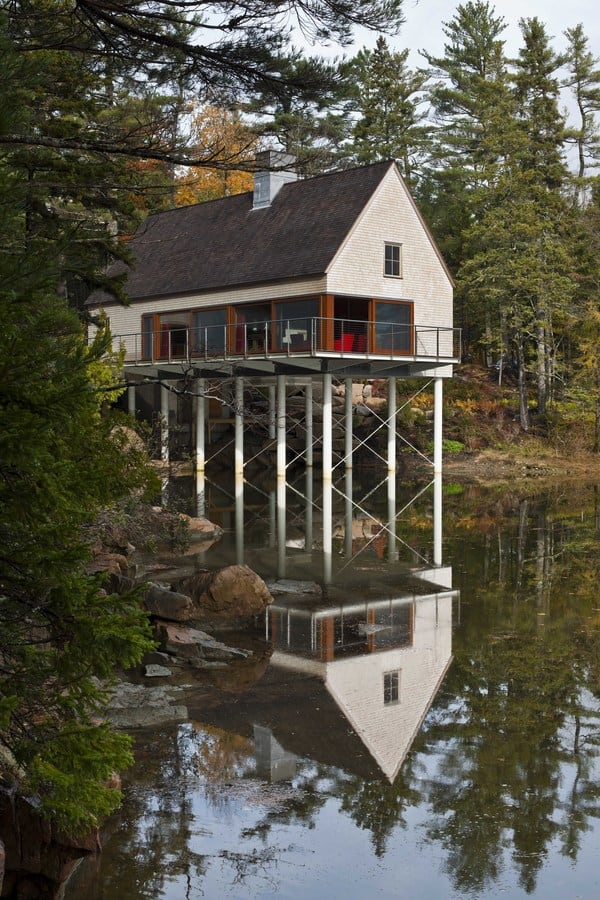 featured posts image for Pond House embracing the Coast of Maine
