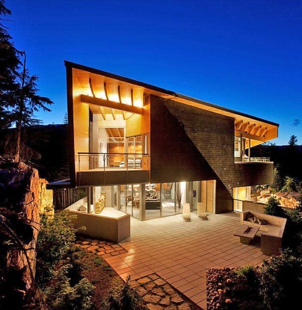 featured posts image for Sumptuous modern mountainside home in Whistler