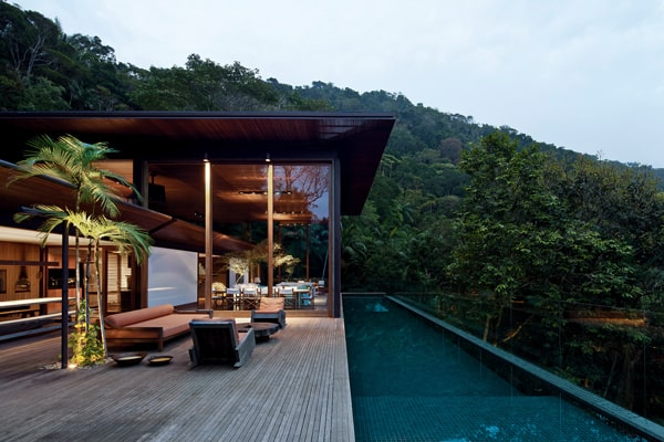featured posts image for Breathtaking Brazilian jungle house on the coast