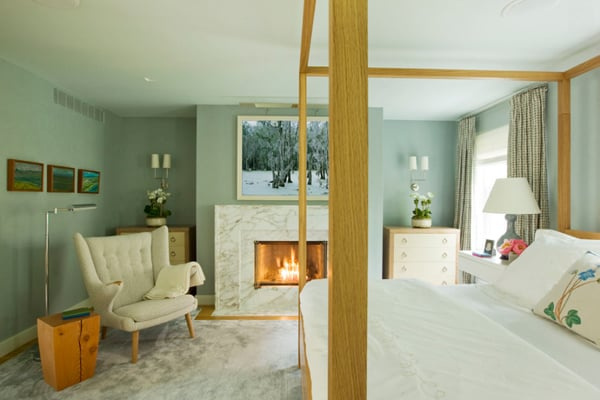 Bedroom Fireplace Ideas-33-1 Kindesign