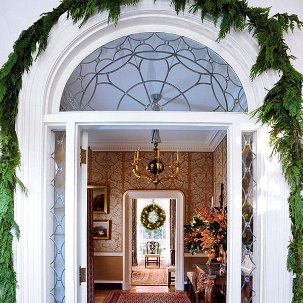 Christmas Porch Decorating Ideas-02-1 Kindesign