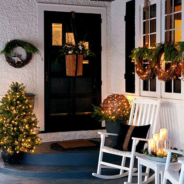 christmas porch decorating ideas 04 1 kindesign - Porch Decorating Ideas Christmas