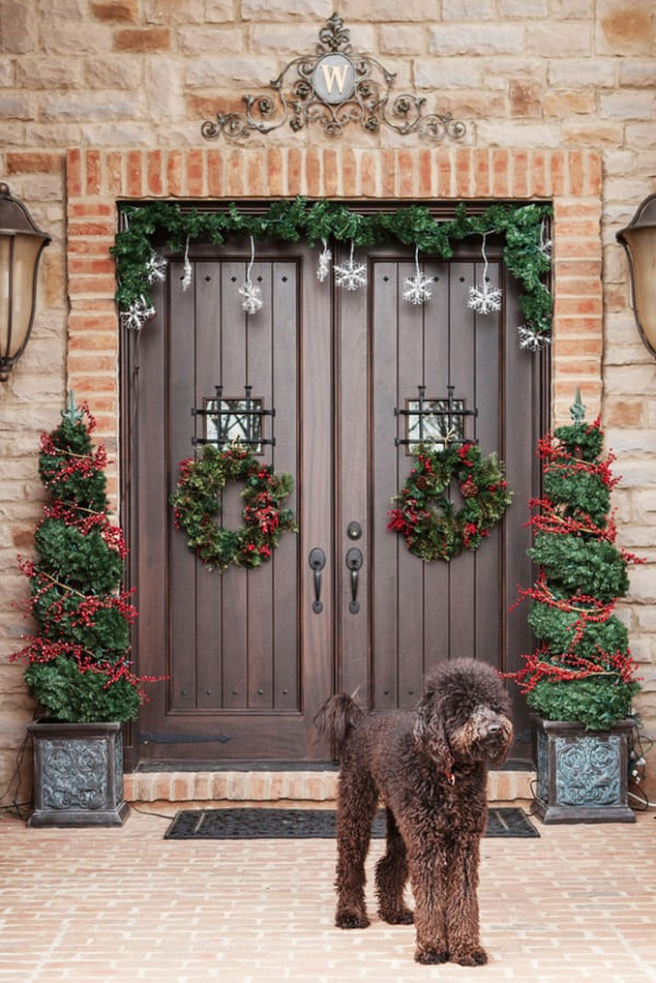 Christmas Porch Decorating Ideas-05-1 Kindesign