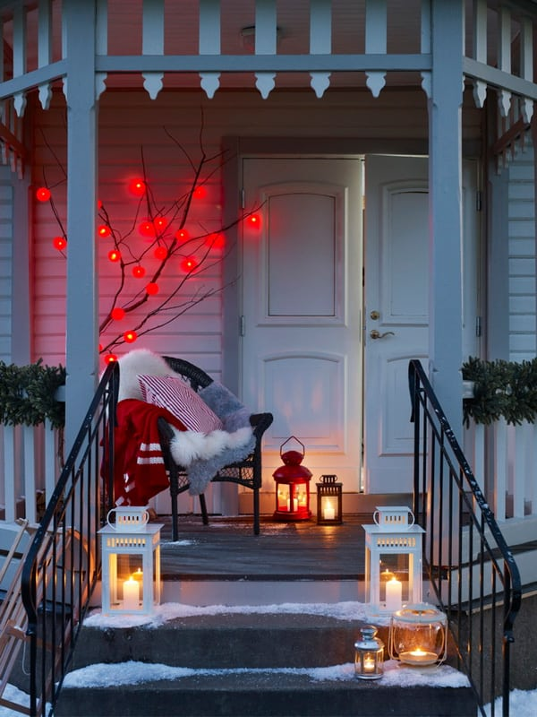 Christmas Porch Decorating Ideas-10-1 Kindesign