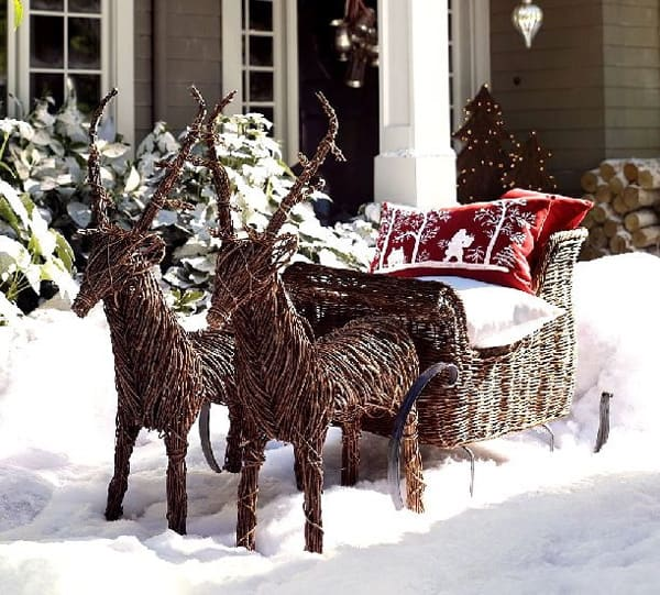 Christmas Porch Decorating Ideas-12-1 Kindesign