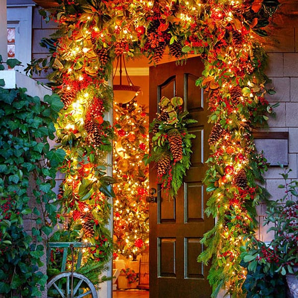 Christmas Porch Decorating Ideas-14-1 Kindesign