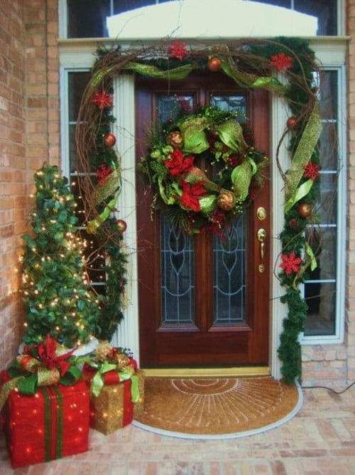 Christmas Porch Decorating Ideas-20-1 Kindesign