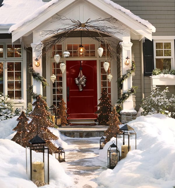 Christmas Porch Decorating Ideas-32-1 Kindesign