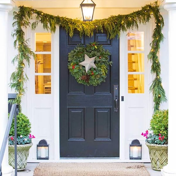 Christmas Porch Decorating Ideas-38-1 Kindesign