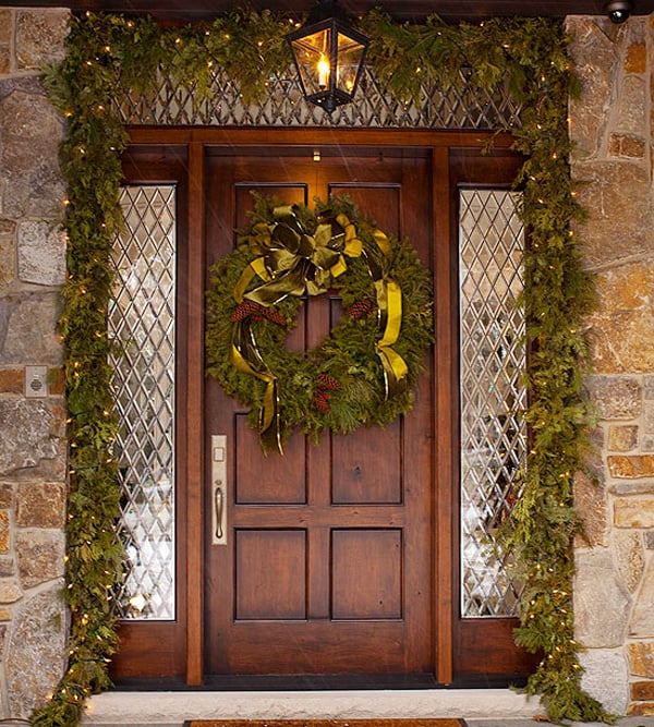 Christmas Porch Decorating Ideas-46-1 Kindesign