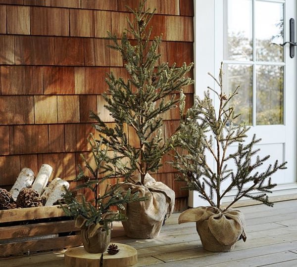 Christmas Porch Decorating Ideas-51-1 Kindesign