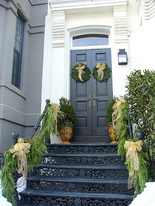 Christmas Porch Decorating Ideas-54-1 Kindesign