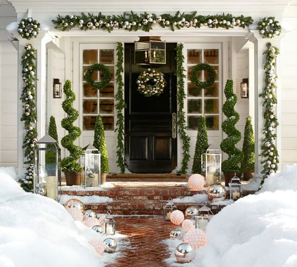 Christmas Porch Decorating Ideas-55-1 Kindesign