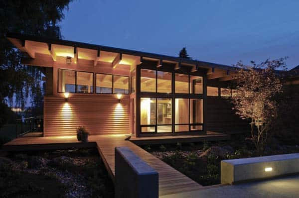 featured posts image for Striking modern home nestled on the Columbia river