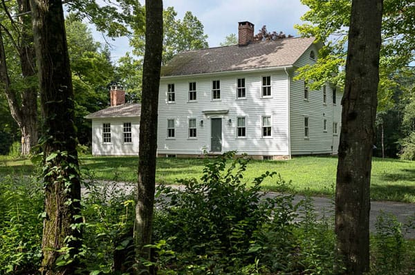 featured posts image for Remarkable farm house preservation in Massachusetts